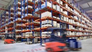 warehouse_working_0650