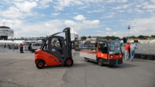 ic_truck-H_30-transporting-rental-2812